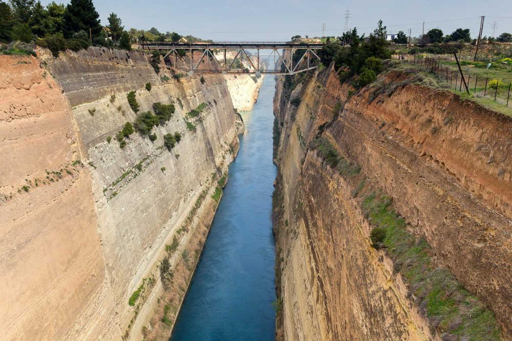 canal-de-corinto-que-hacer-en-grecia