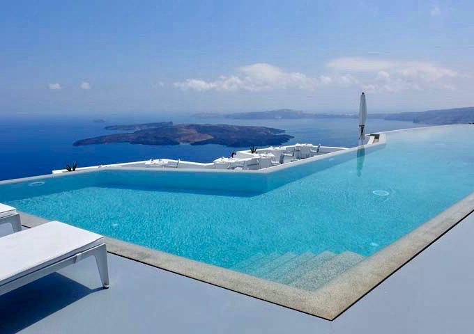 piscina santorini grace