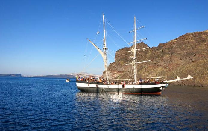 Tours en Barco en Santorini
