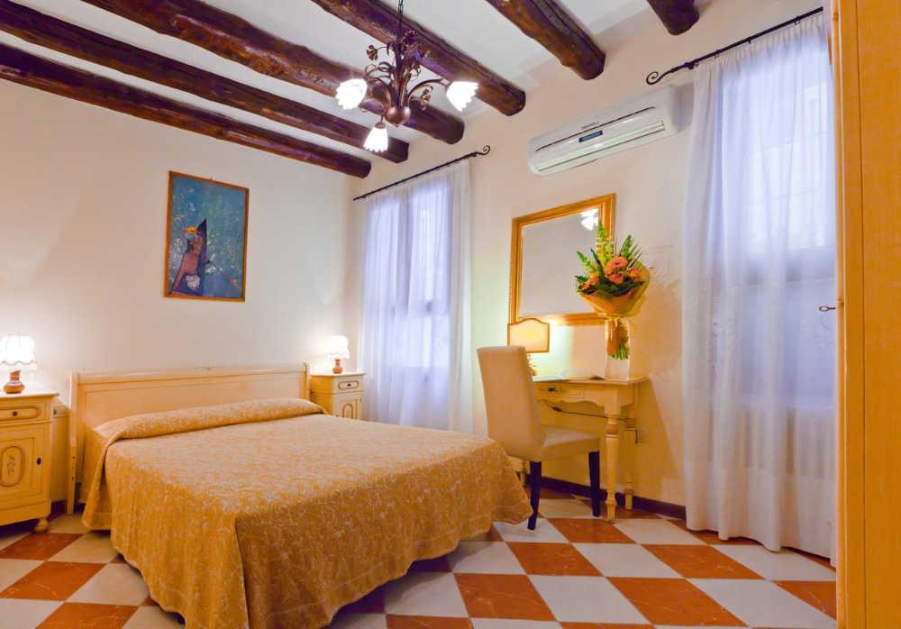 hoteles baratos en venecia