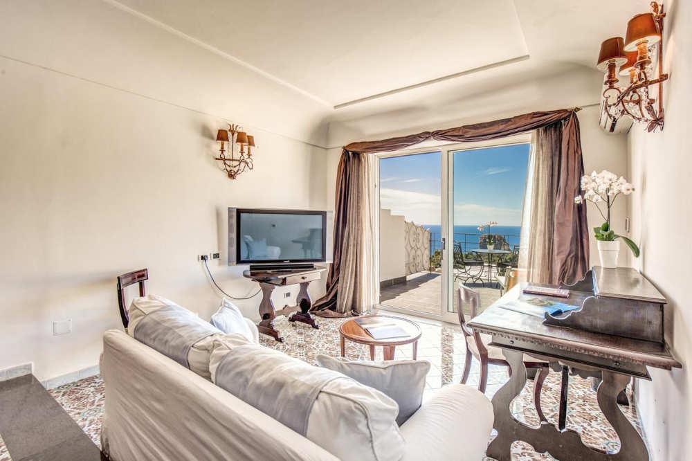mejores hoteles capri
