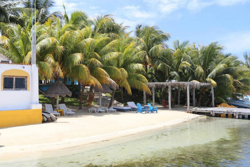 El milagro beach hotel and marina isla mujeres