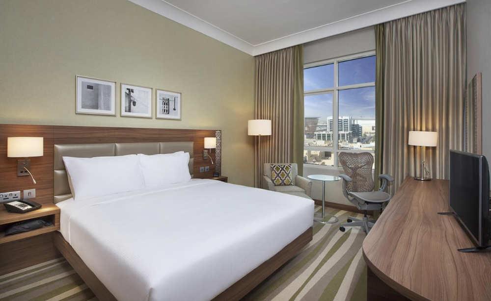 8 mejores hoteles baratos en dubai gu a 2019 - Hilton garden inn dubai al muraqabat ...