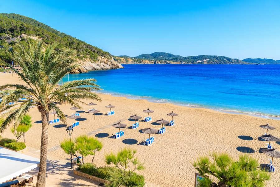 Playa de Portinatx - donde alojarse en Ibiza