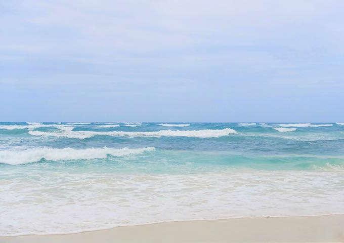 area middle beach tulum