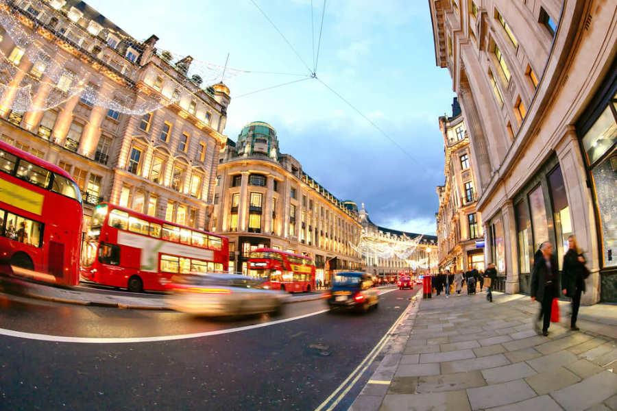 Oxford Street - donde dormir en londres