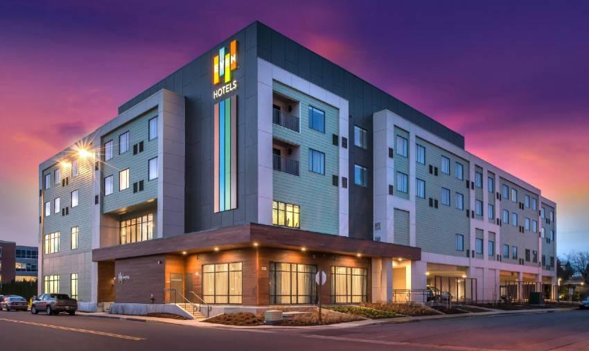 diferencias entre hotel y resort