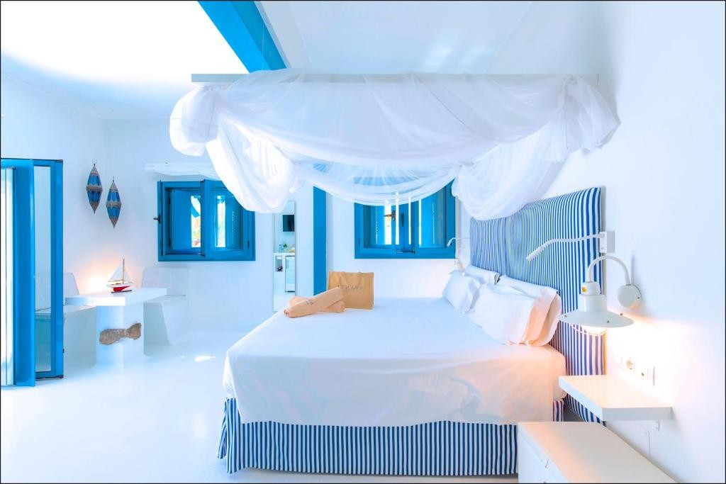 AVANTI Lifestyle Hotel